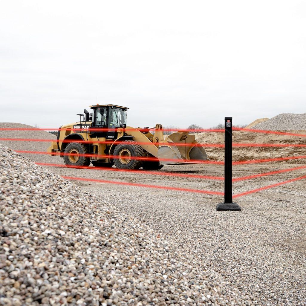 Baufahrzeug wird durch Baustellenüberwachung abgesichert